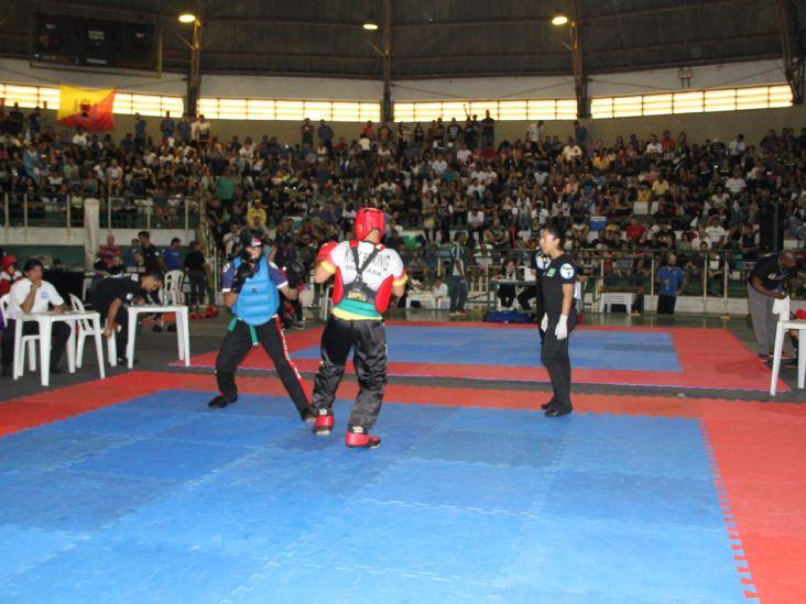 Milhares de pessoas prestigiam Campeonato de Kickboxing em Itu